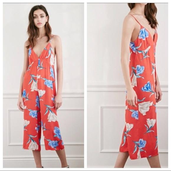 2893103fca 🌺FOREVER 21 Floral Culotte Jumpsuit Size L🌺. M 5ae55af385e6053d74441336